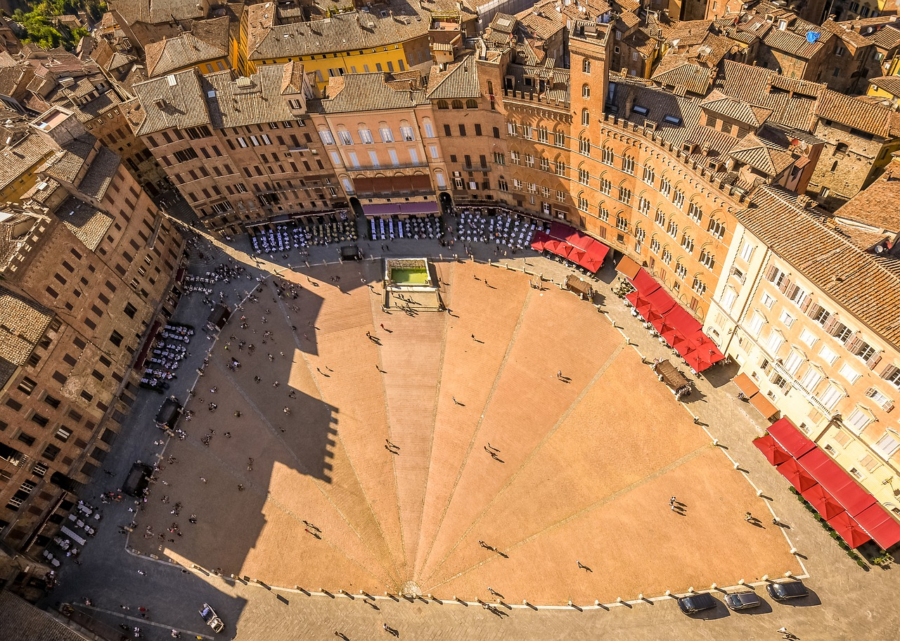 Aerial view of the Piazza dell campo in siena italy
